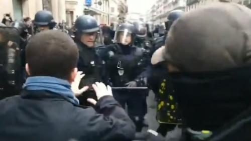 """Après la manifestation de jeudi, le parquet de Paris ouvre une enquête pour """"violences volontaires"""" par des membres des forces de l'ordre"""