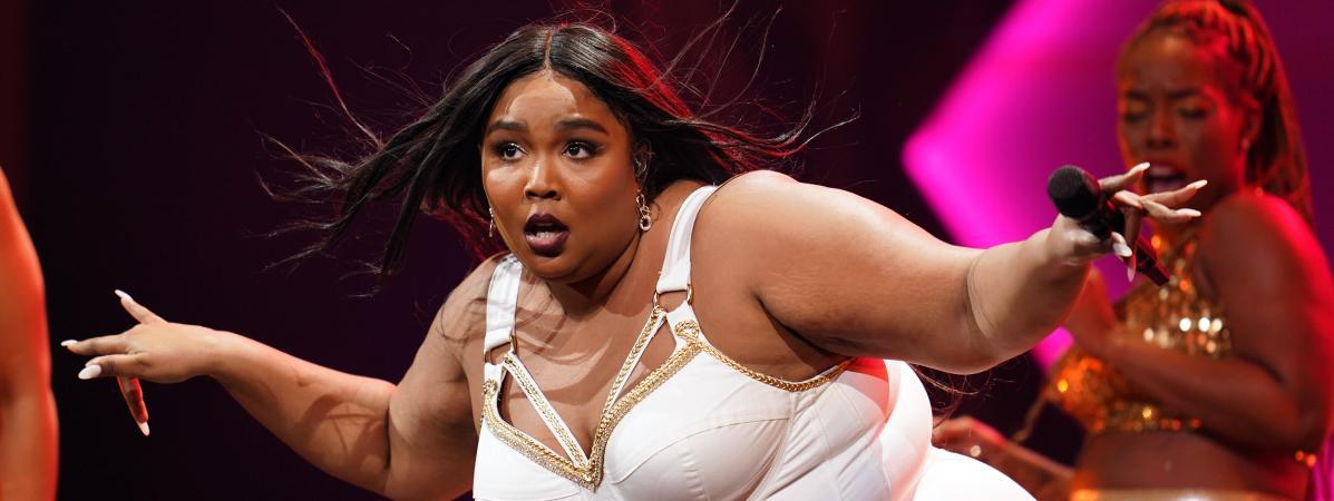 """Grammy Awards : flûte traversière, """"body positivisme"""" et succès fou... On vous raconte le destin de Lizzo"""
