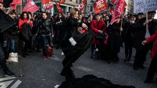 Réforme des retraites : après six semaines de grève, quelles formes peut encore prendre la contestation ?