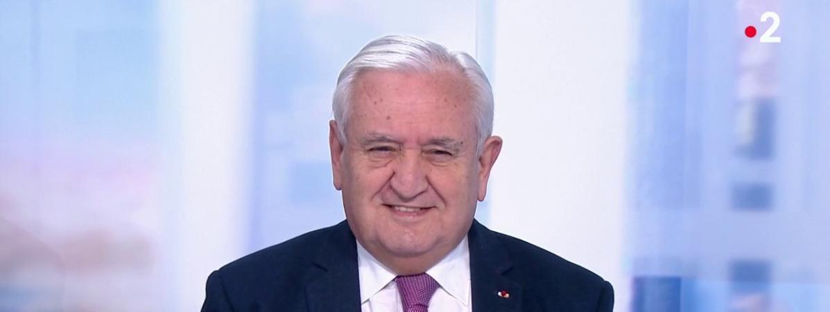 """Jean-Pierre Raffarin : Edouard Philippe est """"à la hauteur de la situation"""""""