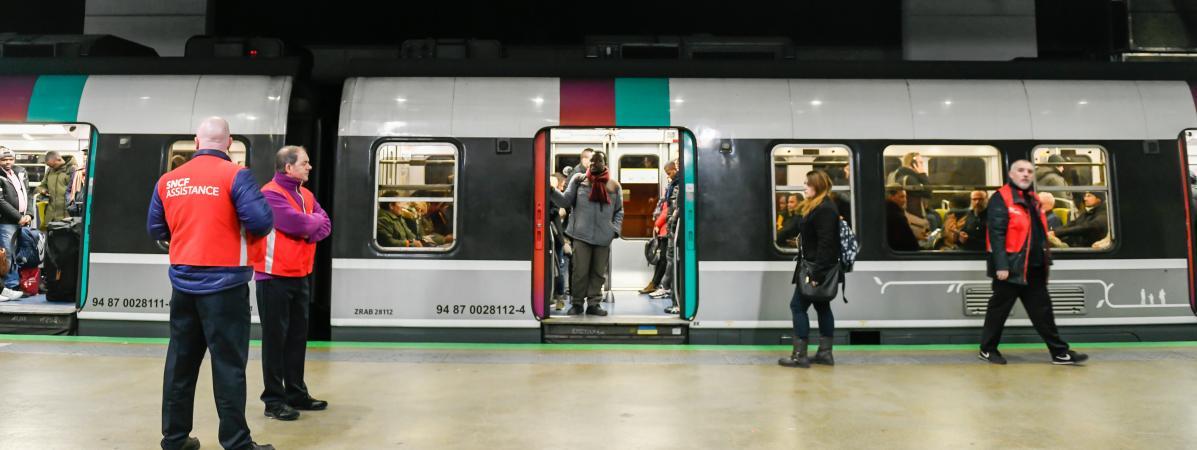 Grève : la SNCF annonce un trafic quasi normal ce week-end pour les TGV, 8 trains sur 10 pour les Transilie...