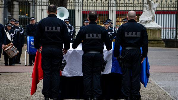 Policier tué à Bron : un adolescent de 15 ans mis en examen et écroué