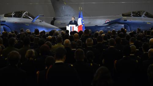Un porte-avions français sur le point de rejoindre l'opération anti-Etat islamique au Moyen-Orient