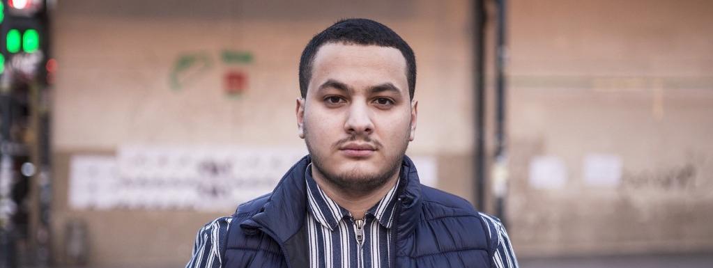 Le journaliste Taha Bouhafs en garde à vue après que manifestants ont tenté de pénétrer dans un théâtre par...
