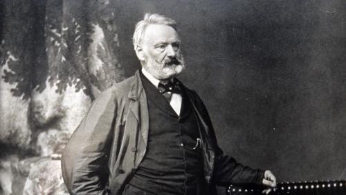 Un poème écrit de la main de Victor Hugo retrouvé dans un collège