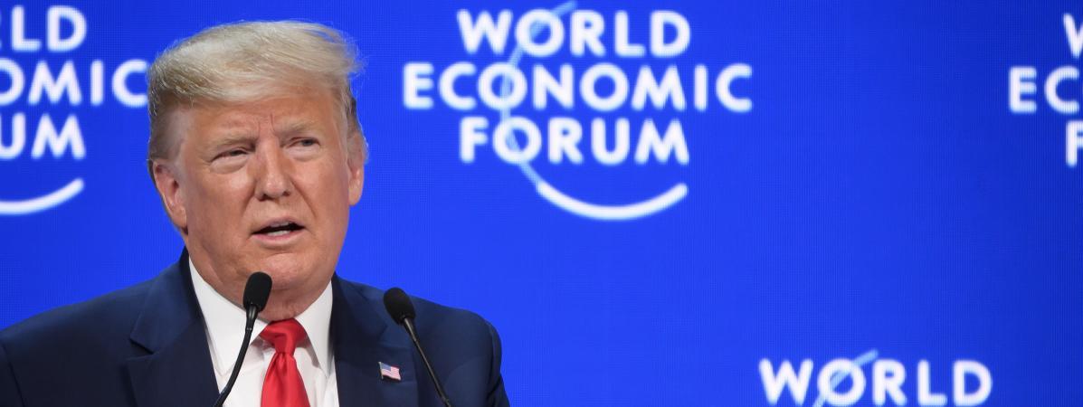 """A Davos, Donald Trump fustige """"les éternels prophètes de malheur"""" devant la militante écologiste Greta Thun..."""