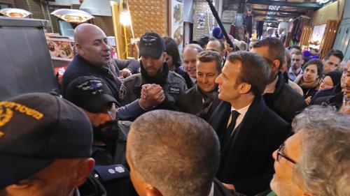 """VIDEO. """"Je n'aime pas ce que vous avez fait devant moi"""" : le coup de colère (en anglais) d'Emmanuel Macron contre les forces de sécurité israéliennes"""
