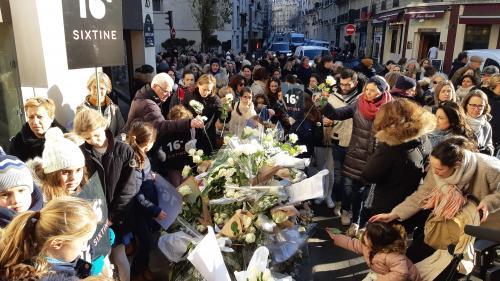 Paris : 200 personnes ont participé à une marche blanche en hommage à Sixtine, onze ans, renversée par un camion, début janvier