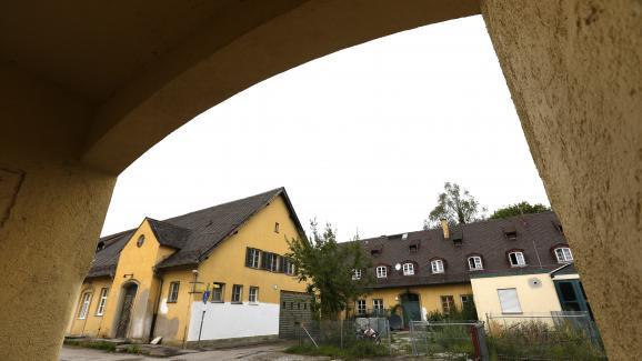 Une annexe du camp de concentration nazi de Dachau (Bavière, Allemagne) transformée en centre d\'hébergement pour des sans-abris et des réfugiés, le 23 septembre 2015.