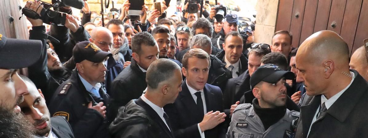 """VIDEO. """"Personne n'a à provoquer personne"""" : le coup de sang de Macron à Jérusalem rappelle celui de Chirac..."""