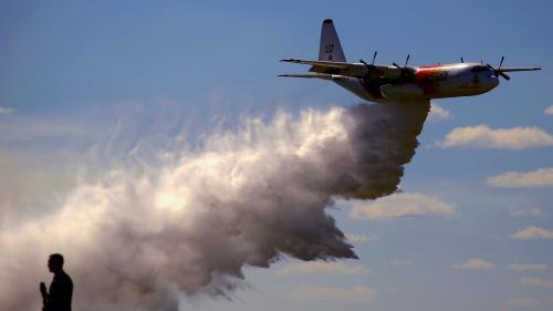 Incendies en Australie : un avion bombardier d'eau s'écrase et fait trois morts