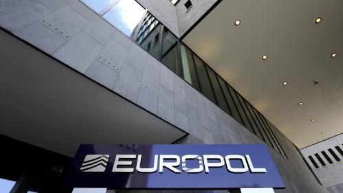 Un réseau soupçonné d'avoir fait passer 10000migrants de France vers le Royaume-Uni démantelé
