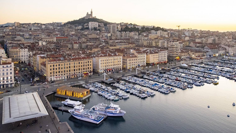 Marseille : les apéros en plein air excèdent les riverains de certains quartiers