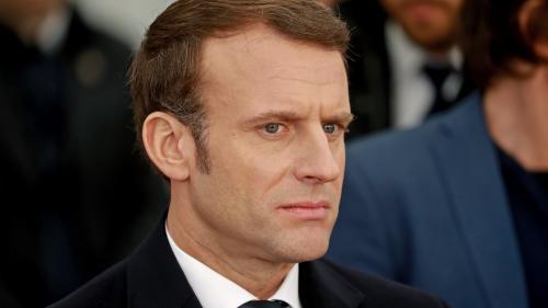 """""""Essayez la dictature et vous verrez !"""": Emmanuel Macron dénonce les discours affirmant que la France n'est plus une démocratie"""