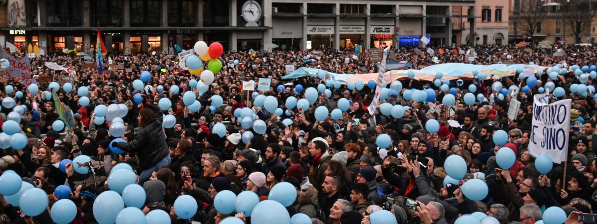 Un rassemblement des Sardines, mouvement antifasciste, le 19 janvier 2020 à Bologne.