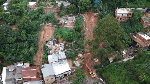 Brésil : au moins 30 morts dans des inondations