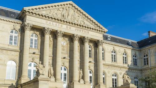 Amiens : une enquête pour homicide volontaire ouverte après la mort d'un jeune homme dans le quartier Etouvie