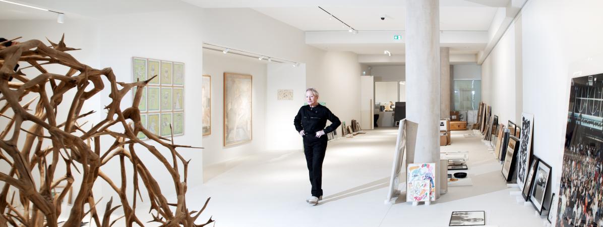 """Une """"fabrique culturelle et solidaire"""" : agnès b. inaugure """"La Fab."""", sa fondation d'art contemporain"""