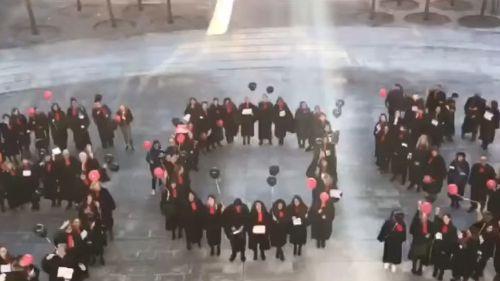 A Besançon, les avocats dénoncent la réforme des retraites sur une chanson parodiée d'Eddy de Pretto