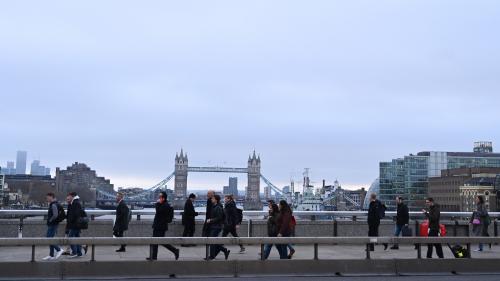 Londres : une attaque au couteau fait trois blessés