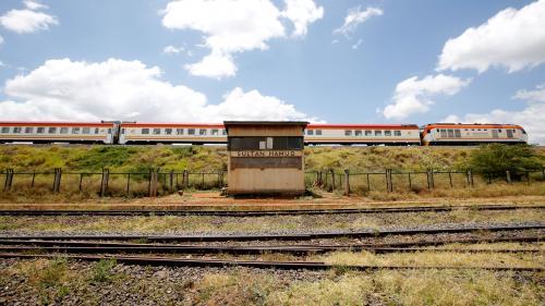 EN IMAGES. Au Kenya, le train à grande vitesse laisse les habitants des petites communes à quai