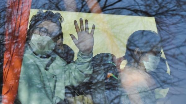 """Coronavirus : un journaliste en quarantaine à Carry-le-Rouet décrit une """"ambiance colonie de vacances"""""""