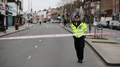 Londres : ce que l'on sait de l'attaque terroriste dans laquelle deux personnes ont été blessées à l'arme blanche