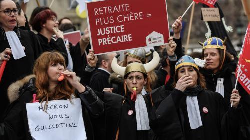 Réforme des retraites : les avocats votent la poursuite de leur mouvement
