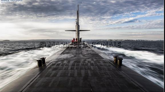 Un sous-marin lanceur d'engins (SNLE), de retour en rade de Brest, le 19 décembre 2019