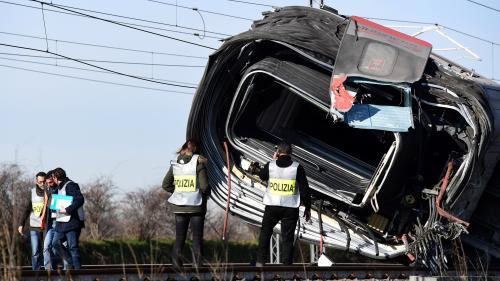 Italie : le spectaculaire déraillement d'un train au sud de Milan