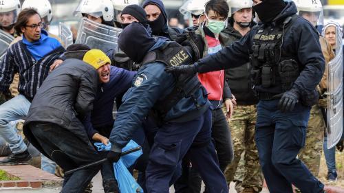 Bagarres de rues entre migrants et habitants : la crise migratoire dans les îles grecques