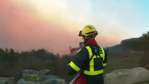 Corse : les vents violents attisent les flammes