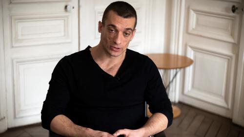 Retrait de Benjamin Griveaux : qui est Piotr Pavlenski, l'artiste russe qui revendique la publication des vidéos intimes ?