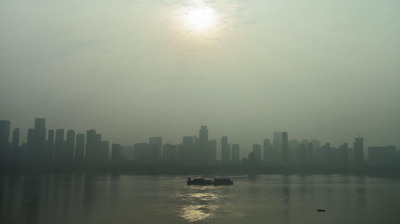 #VraiOuFake Epidémie de coronavirus Covid-19 : un pic de pollution au dioxyde de soufre à Wuhan révèle-t-elle que la Chine brûle les corps de victimes ?