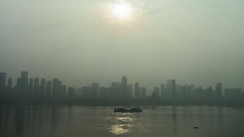 Coronavirus Covid-19 : un pic de pollution au dioxyde de soufre à Wuhan révèle-t-il que la Chine brûle les corps de victimes ?