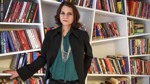 Turquie : la romancière Asli Erdogan acquittée dans une procès de terrorisme