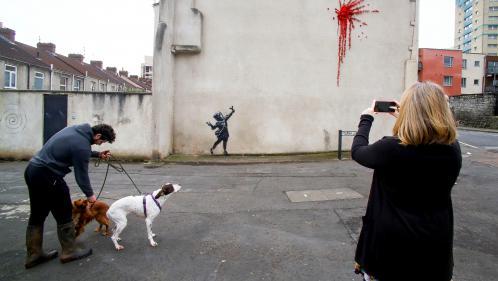 Royaume-Uni : une oeuvre de Banksy réalisée pour la Saint-Valentin a été vandalisée