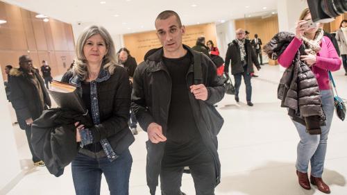 Retrait de Benjamin Griveaux : cinq questions qui se posent après l'arrestation de Piotr Pavlenski