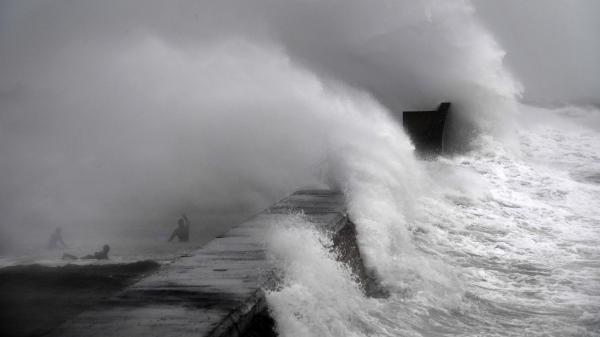 Tempête Dennis : des dégâts conséquents dans le nord-ouest de la France