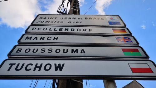 Loiret : Saint-Jean-de-Braye rompt ses relations avec sa ville jumelle polonaise de Tuchów, qui a adopté une législation ouvertement homophobe