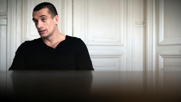 """DIRECT. Retrait de Benjamin Griveaux : Piotr Pavlenski placé en garde à vue pour """"atteinte à l'intimité de la vie privée"""""""