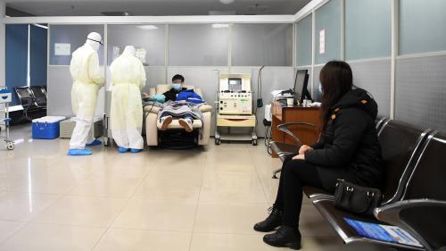 Coronavirus Covid-19 : la Chine demande aux personnes guéries de donner leur plasma pour soigner les malades
