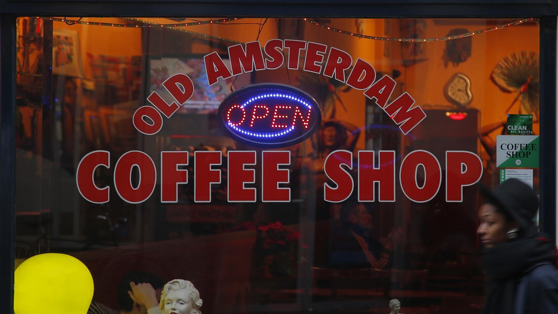 Mon info. La maire d'Amsterdam veut s'attaquer aux coffee shops
