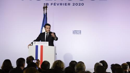 """Emmanuel Macron : des mesures contre """"le séparatisme islamiste"""""""