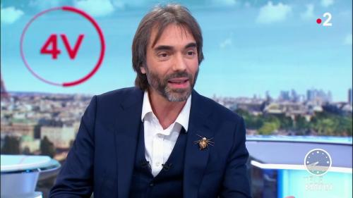 """VIDEO. Municipales à Paris : Cédric Villani se dit """"ouvert"""" à des discussions avec Agnès Buzyn"""