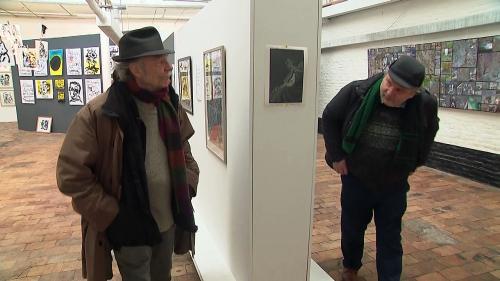 A Roubaix, un clown dessinateur et un comédien photographe réunis dans la plus petite galerie du monde... ou presque