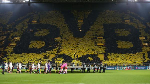Ligue des champions : après la défaite des Parisiens, les supporters du PSG se lâchent sur les réseaux sociaux