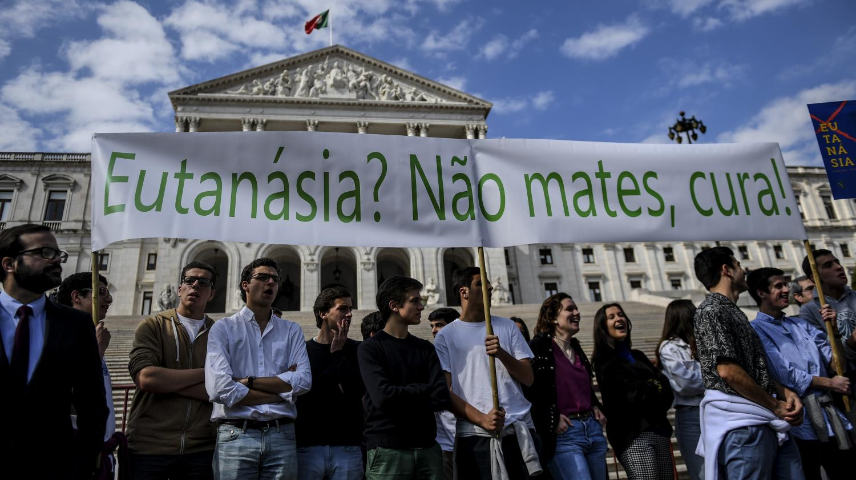 Le parlement portugais vote pour la légalisation de l'euthanasie