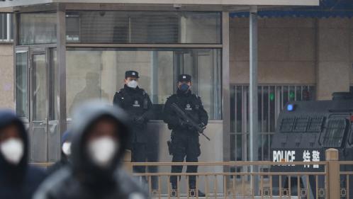 """Chine : """"Je devais voir mon mari en prison, mais ma visite a été annulée à cause de l'épidémie"""""""