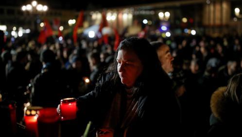 """""""On ne trouve pas les mots"""": la ville d'Hanau se recueille après le double attentat qui a fait neuf morts"""